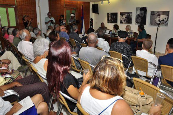 5-asistentes-a-la-presentacic3b3n.-foto.-roberto-garaycoa-580x385